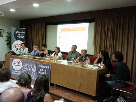 Mesa_debate_ppiina_corresponsabilidad_2011